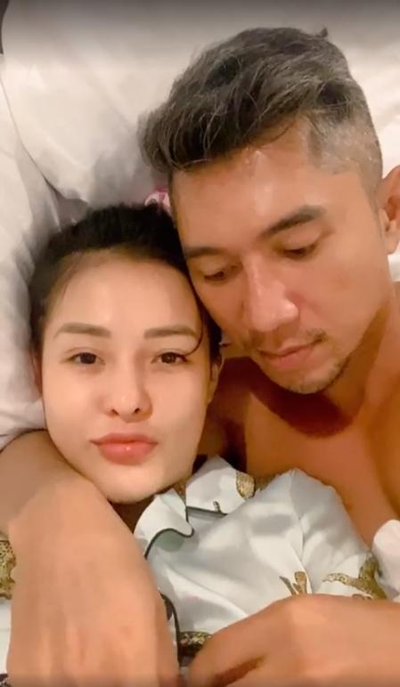 Ngân 98 - Lương Bằng Quang ghiền đăng ảnh giường chiếu, tắm táp-4