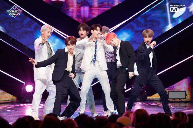 Đằng sau sân khấu ngắn ngủi, idol Kpop bị bào mòn sức khoẻ nặng nề-2