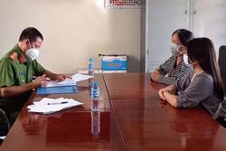 2 phụ nữ 'thông chốt' kiểm dịch, chửi bới lực lượng chức năng bị phạt 5 triệu