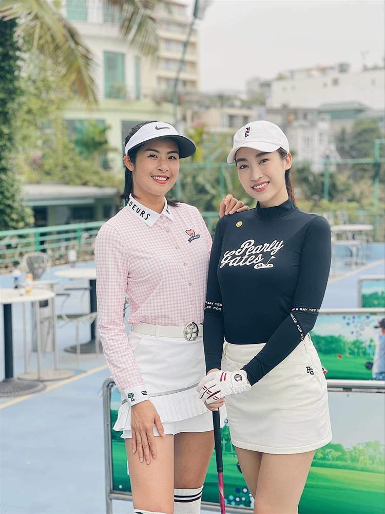 Đỗ Mỹ Linh chơi golf: Đã hết phèn nhờ chi tiền không tiếc tay-6