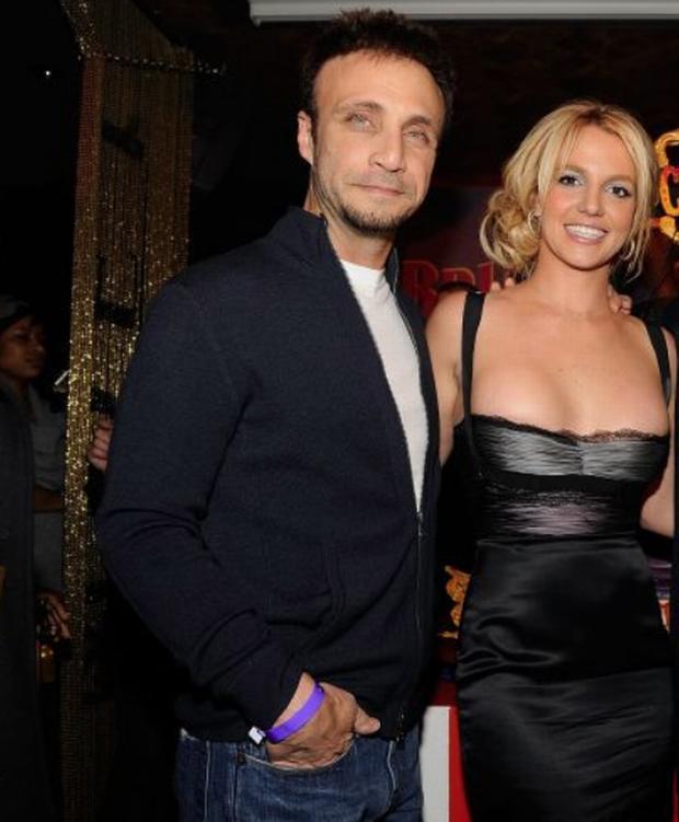 Britney Spears chính thức giải nghệ, quản lý nhảy thuyền từ chức-3
