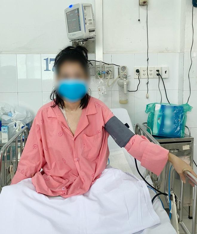 TPHCM: Bệnh nhân Covid-19 nặng 140kg thoát chết sau trụy tim-2