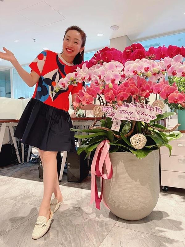 Vợ sắp cưới kém 16 tuổi của Chi Bảo mặc bikini khoe bụng bầu-4