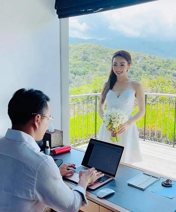 Vợ sắp cưới kém 16 tuổi của Chi Bảo mặc bikini khoe bụng bầu-10