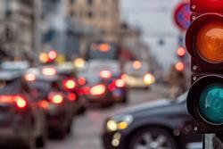 Trả thù người yêu cũ bằng cách cho xe ô tô 49 lần vượt đèn đỏ