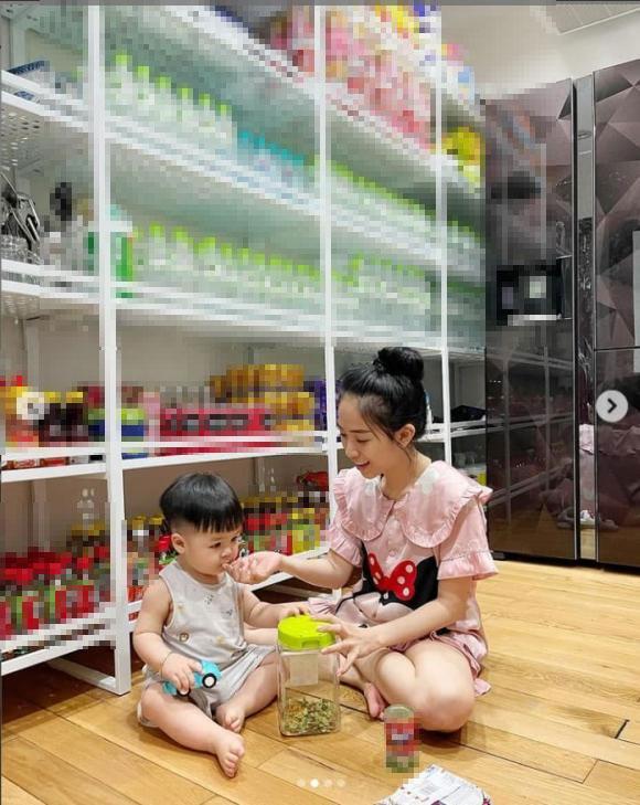 Tích trữ mùa dịch, ái nữ Minh Nhựa khoe kệ đồ như tiệm tạp hóa-4