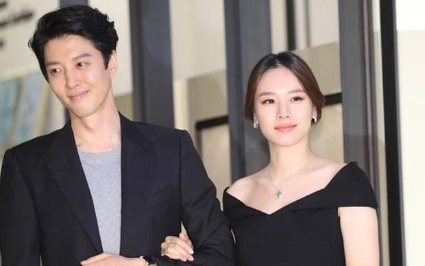 Vợ cũ Lee Dong Gun công khai con gái trên sóng truyền hình-2