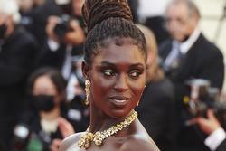 Nữ diễn viên bị trộm trang sức nghìn USD ở Cannes