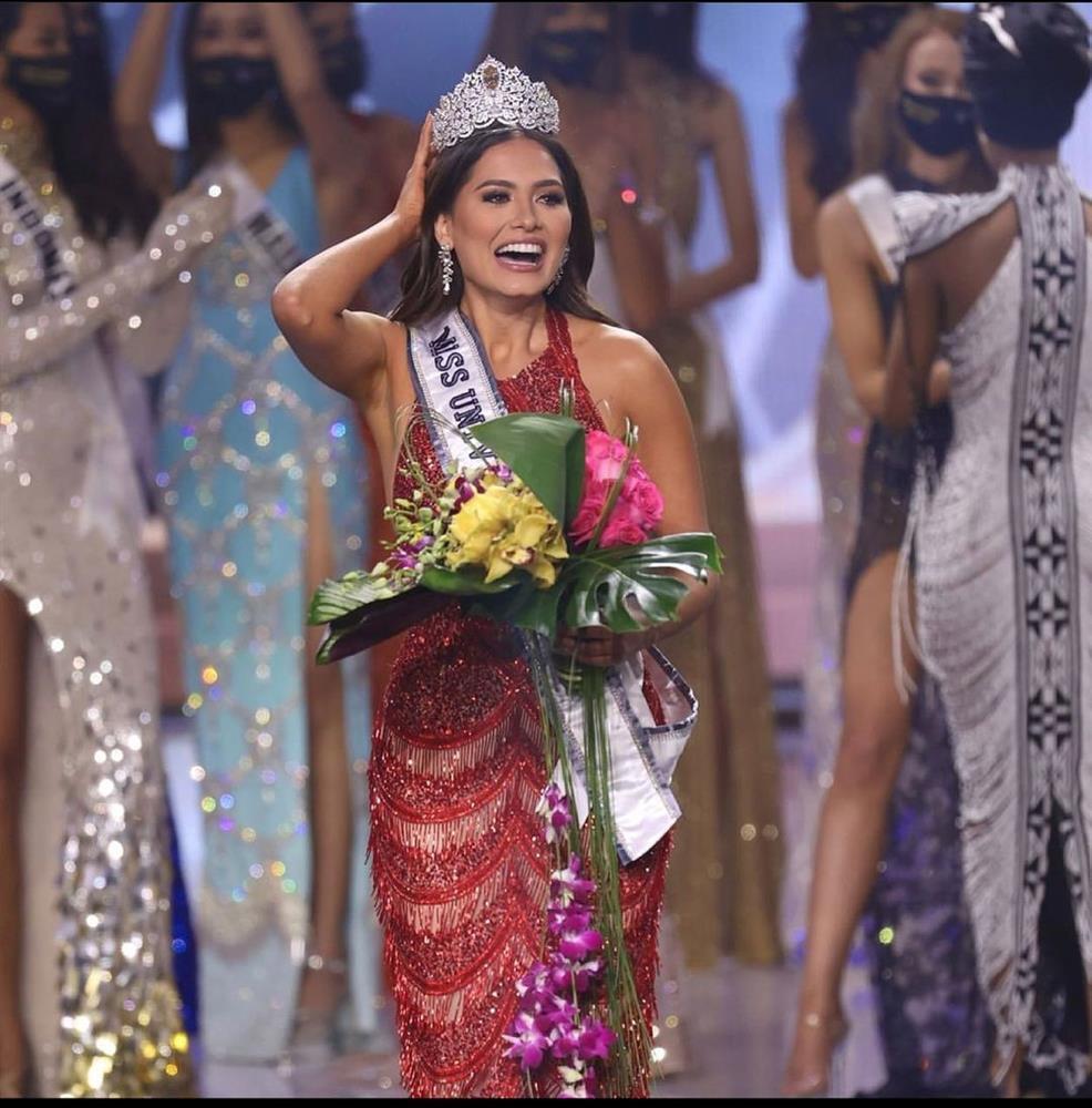 Nhan sắc tân Hoa hậu Hoàn vũ bị chê không hợp vương miện 116 tỷ-10