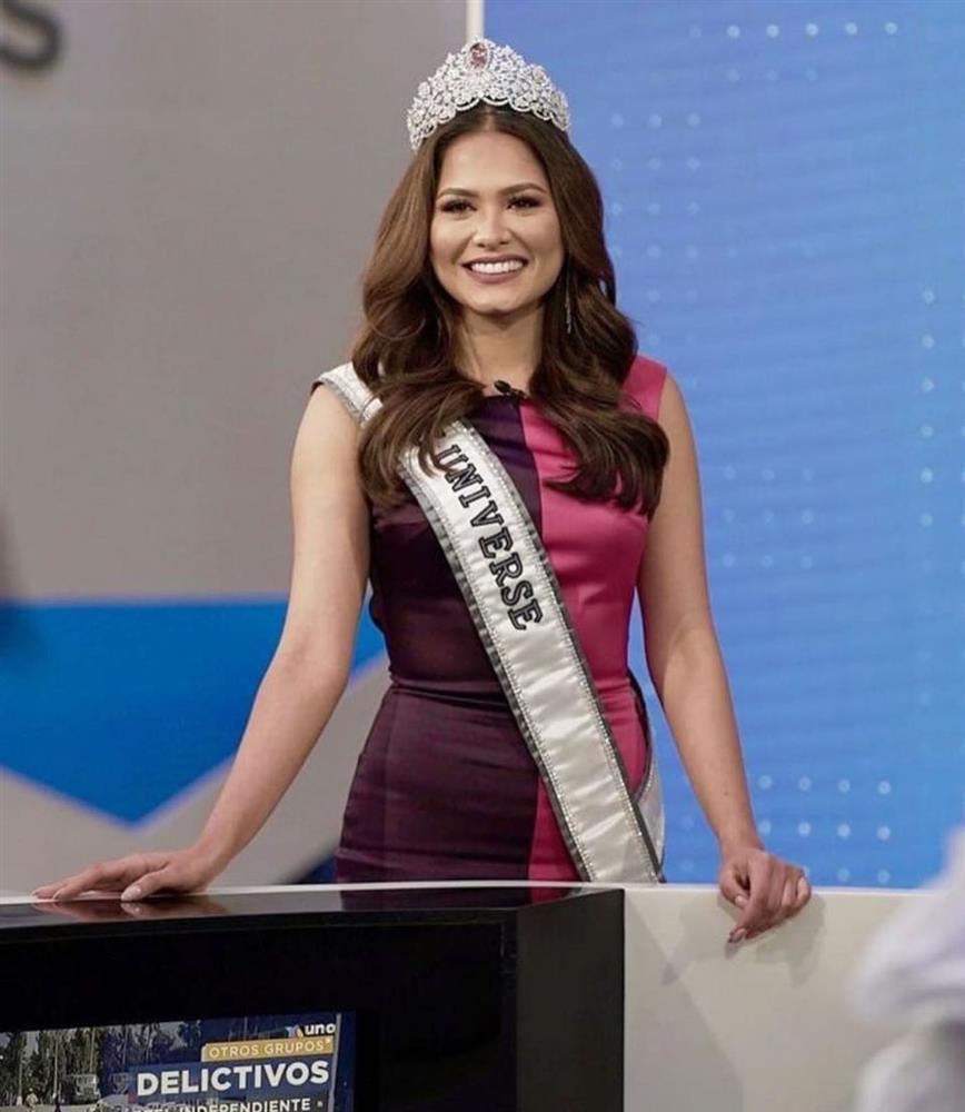 Nhan sắc tân Hoa hậu Hoàn vũ bị chê không hợp vương miện 116 tỷ-1