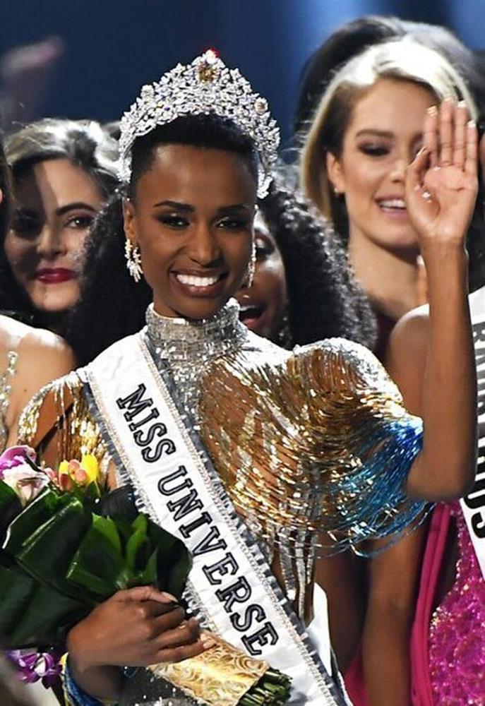 Nhan sắc tân Hoa hậu Hoàn vũ bị chê không hợp vương miện 116 tỷ-9