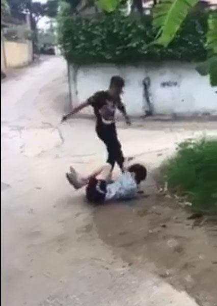 Thiếu niên đánh bạn thừa sống thiếu chết: Công an Phú Thọ nói gì?-1