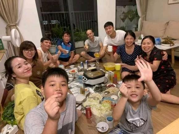 Vợ Xuân Trường lộ vòng 2 lùm lùm, fans chúc chàng Híp lên chức-3