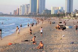 Đà Nẵng dừng tắm biển, cắt tóc và hoạt động thể dục thể thao từ 12h ngày 15/7