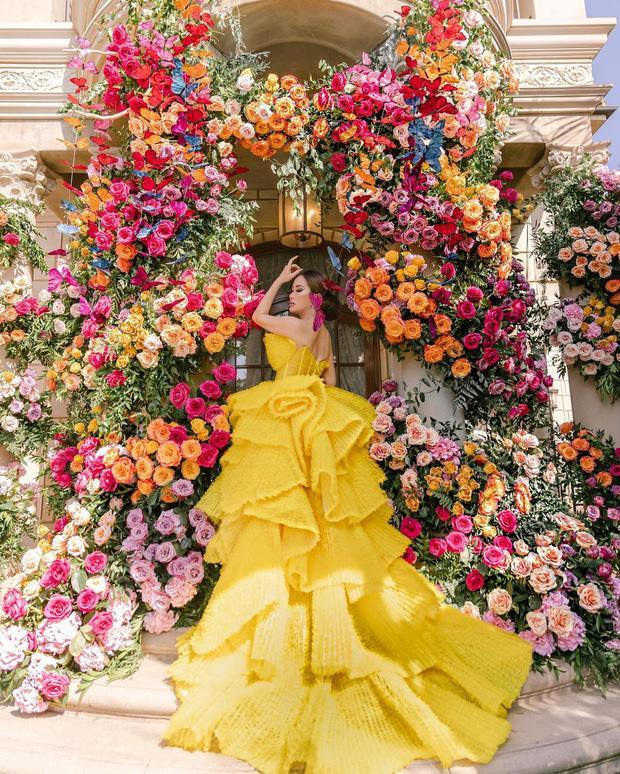 Nữ tỷ phú Việt kỷ niệm ngày cưới xa hoa, tặng chồng siêu xe 33 tỷ-5