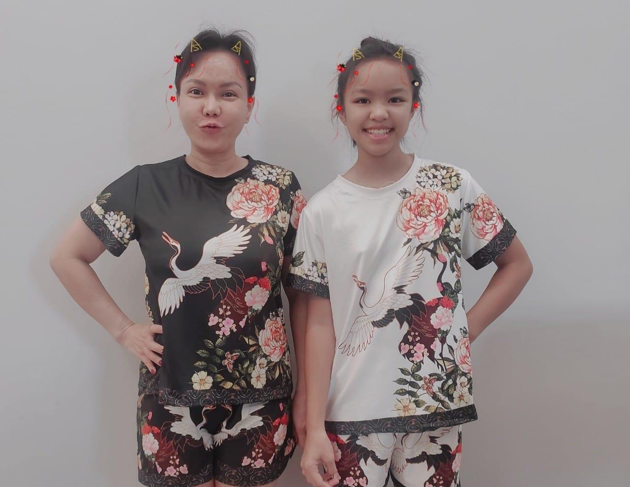 Tin sao Việt: Việt Hương cho con gái mặc đồ bộ 100k
