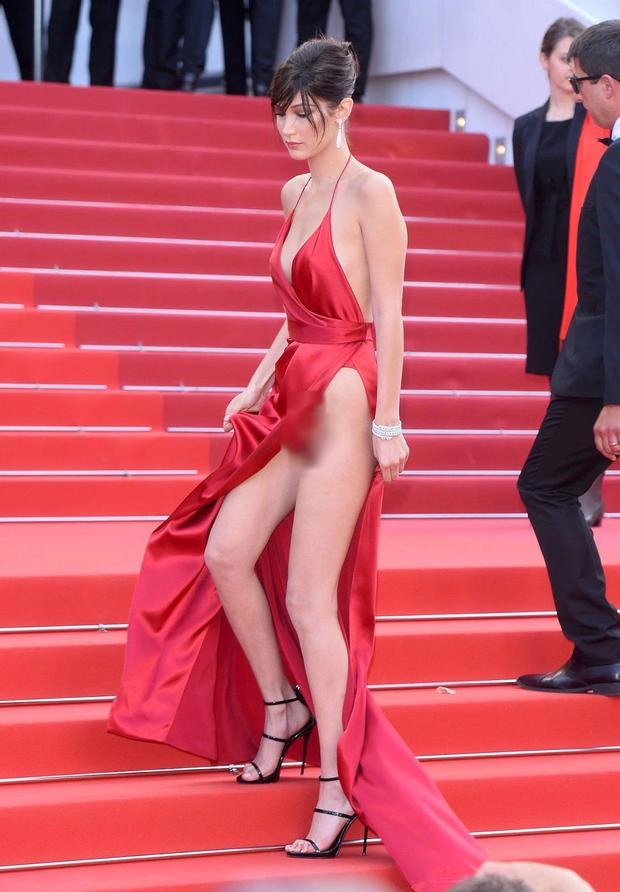 Bella Hadid 2 lần lộ hàng ở Cannes, lần nào cũng lộ ngay tam giác-5
