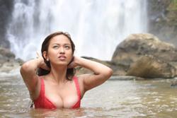 Phim Việt bị cấm chiếu vì cảnh nóng, bạo lực