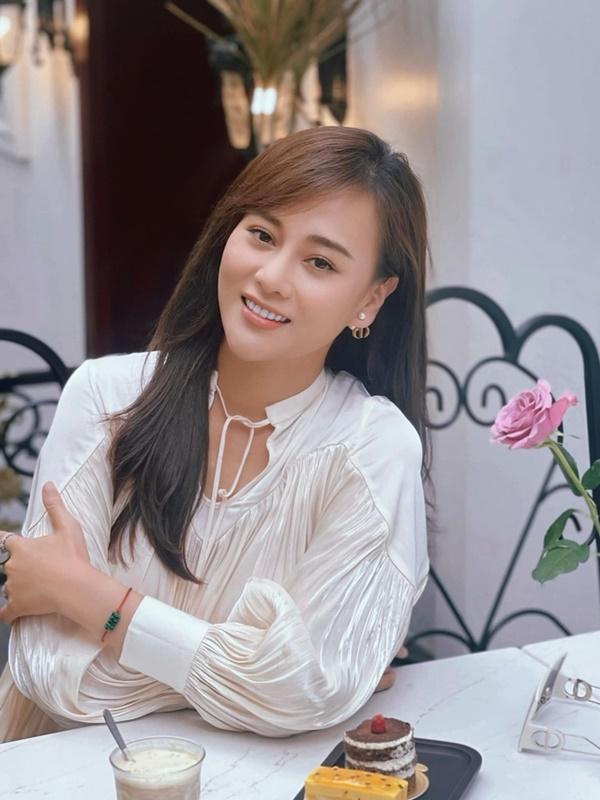 Phương Oanh tóc dài cực xinh, ngóng Nam Hương Vị Tình Thân có tạo hình mới-5