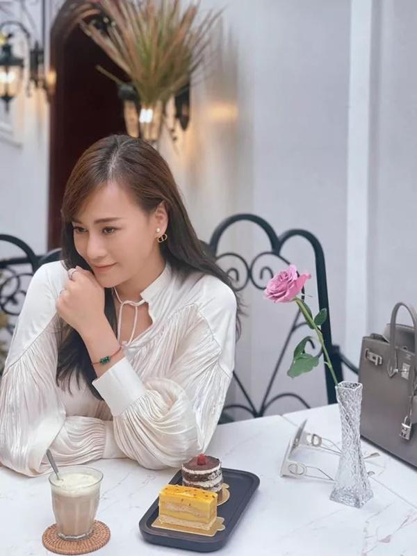 Phương Oanh tóc dài cực xinh, ngóng Nam Hương Vị Tình Thân có tạo hình mới-7