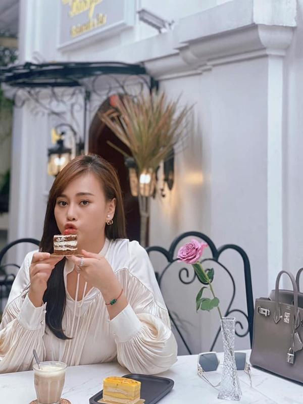 Phương Oanh tóc dài cực xinh, ngóng Nam Hương Vị Tình Thân có tạo hình mới-9