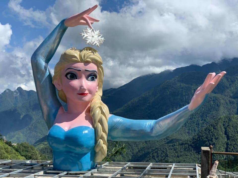 Phiên bản Elsa mặt gẫy mắt lác ở Sa Pa khiến dân check-in cười sằng sặc-2