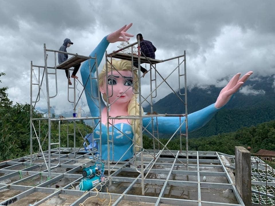 Phiên bản Elsa mặt gẫy mắt lác ở Sa Pa khiến dân check-in cười sằng sặc-3