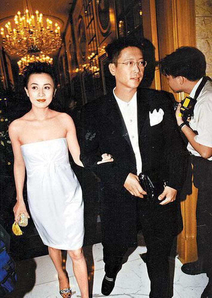 Người phụ nữ 70 năm độc sủng hậu cung tỷ phú giàu nhất Hong Kong-5