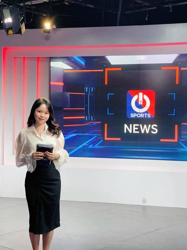 Huỳnh Anh khoe làm MC, mẹ nuôi Quang Hải phản ứng bất ngờ-1