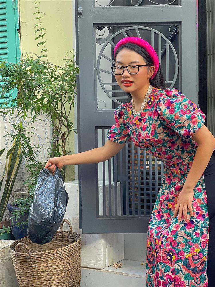 Phương Mỹ Chi đi đổ rác cũng diện áo dài, đội mấn, phụ kiện đầy đủ!-9