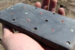 Tìm thấy 'điện thoại iPhone' hơn 2.000 năm tuổi trong lăng mộ cổ