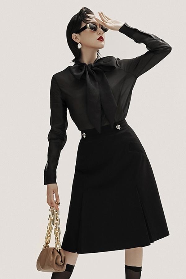 Cách phối đồ với trang phục đen, vừa sang chảnh vừa không lo lỗi mốt-7
