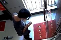 Nam shipper nhổ nước bọt vào đồ ăn của khách ở Trung Quốc