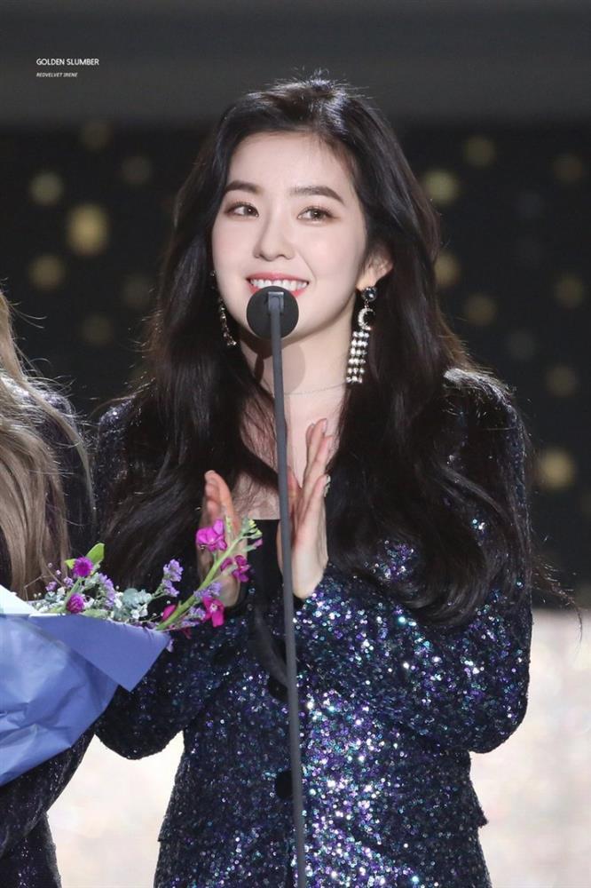 Cùng là leader: RM (BTS) tung 9 tầng mây, Irene (Red Velvet) mờ như ảo ảnh-2