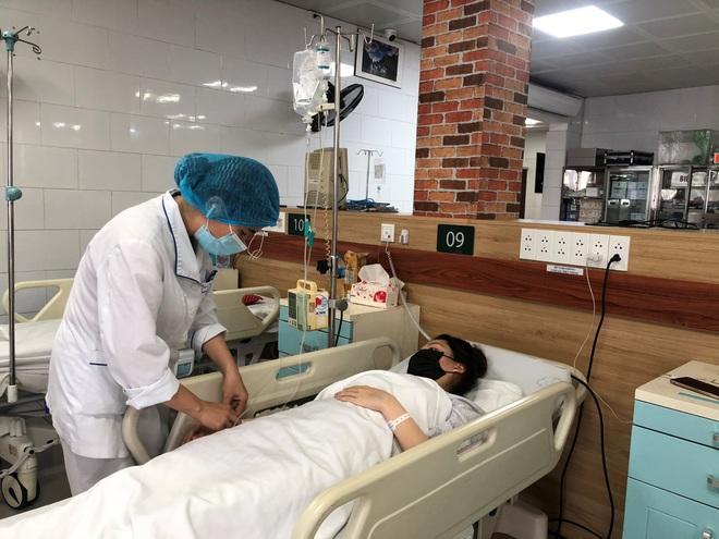 Bác sĩ cảnh báo nguy cơ ngộ độc với bài thuốc trị Covid-19 trên mạng-2