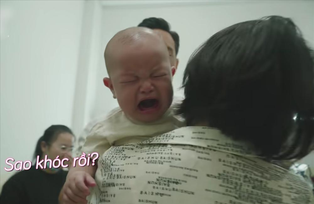 Con trai Hồ Ngọc Hà liên tục trở mặt dù đóng có 2s quảng cáo-8