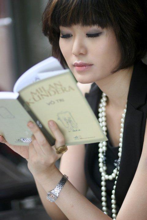 Facebook Thu Thủy đổi avatar sau hơn 1 tháng hoa hậu qua đời-3
