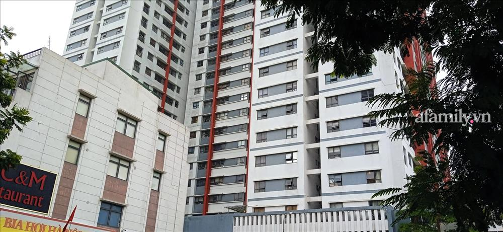 Xôn xao bé trai cạy lưới chắn rơi từ tầng 6 chung cư cao cấp Hà Nội-1
