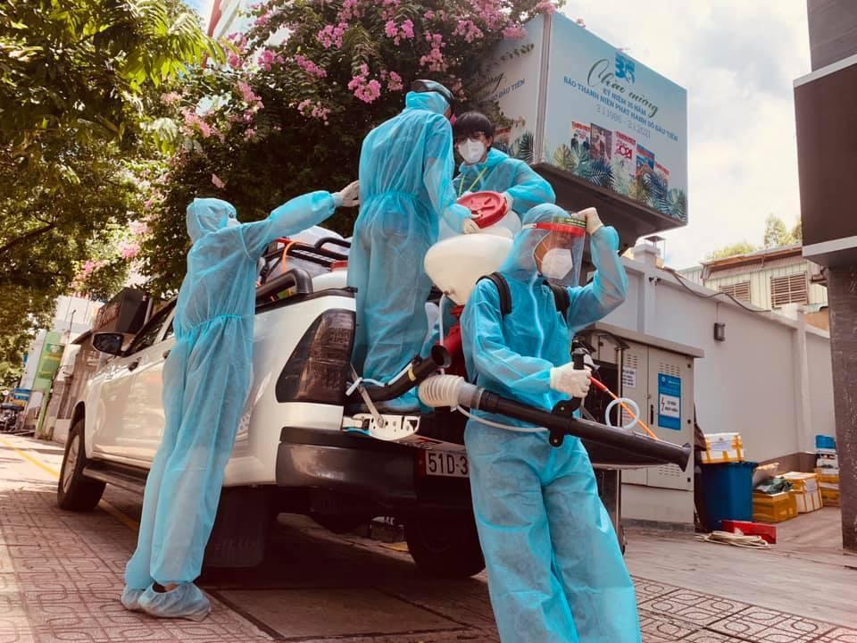 Đội khử khuẩn ở TP.HCM: Từ xa lạ, chúng tôi trở thành gia đình-3