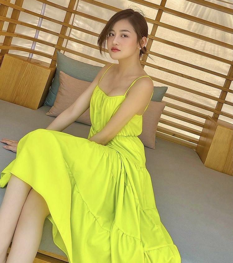 Lệ Quyên, Minh Triệu khoe body nức nở với xanh chuối hot trend-5