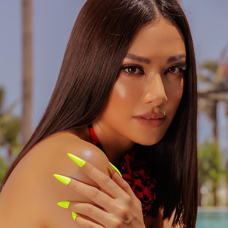 Kim Duyên bị chê cách hô Việt Nam khi luyện thi Miss Universe-4
