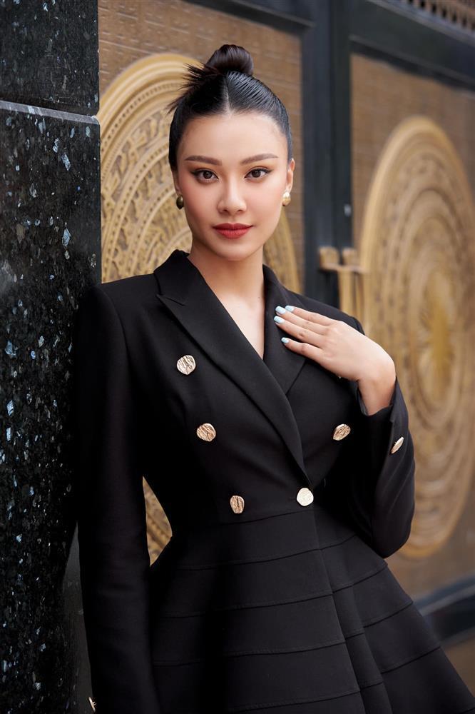 Kim Duyên bị chê cách hô Việt Nam khi luyện thi Miss Universe-7