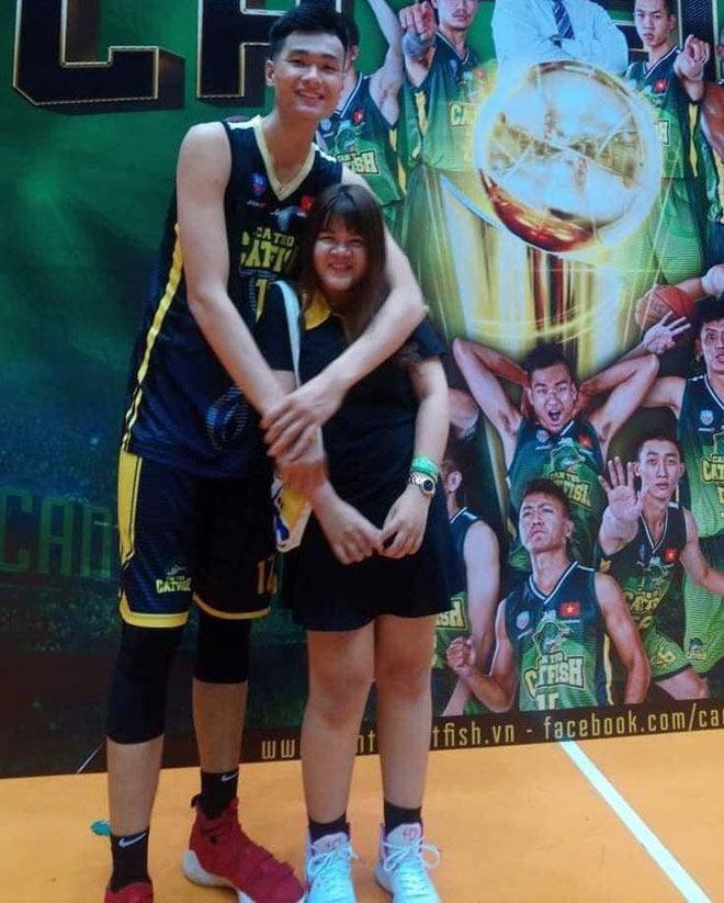 Cô gái nấm lùn tán đổ cầu thủ bóng rổ cao hơn 2m chỉ trong 3 ngày-5
