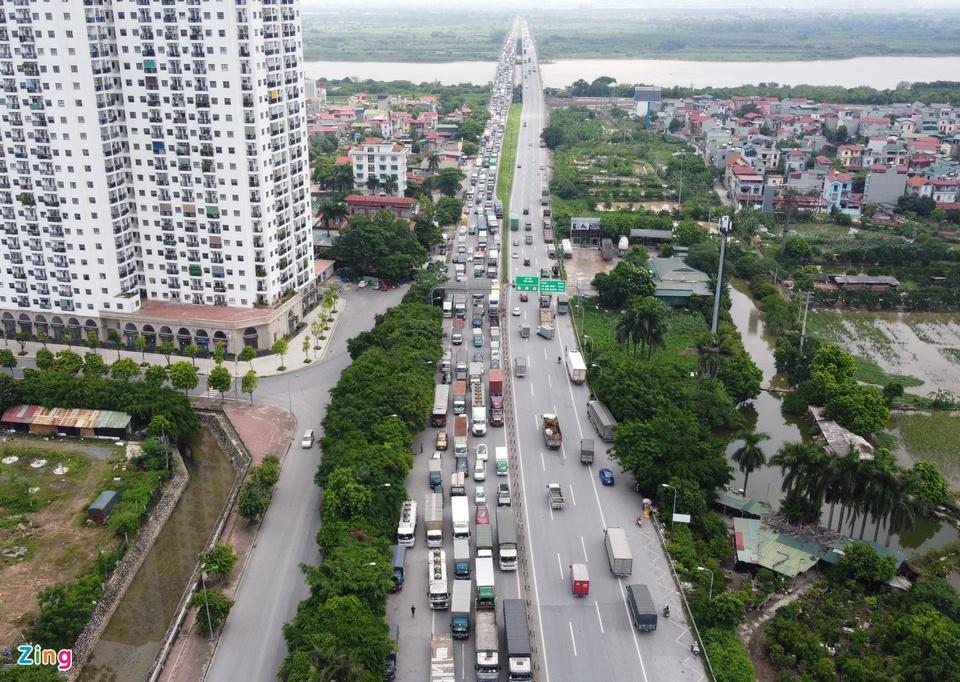 Tài xế tranh luận với CSGT khi Hà Nội cấm xe vào nội thành-2