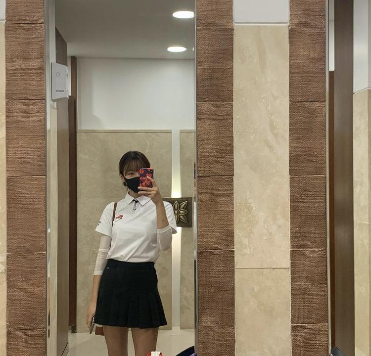 Hyomin, Sooyoung lên đồ đi đánh golf vừa chất vừa như nữ sinh 18-5