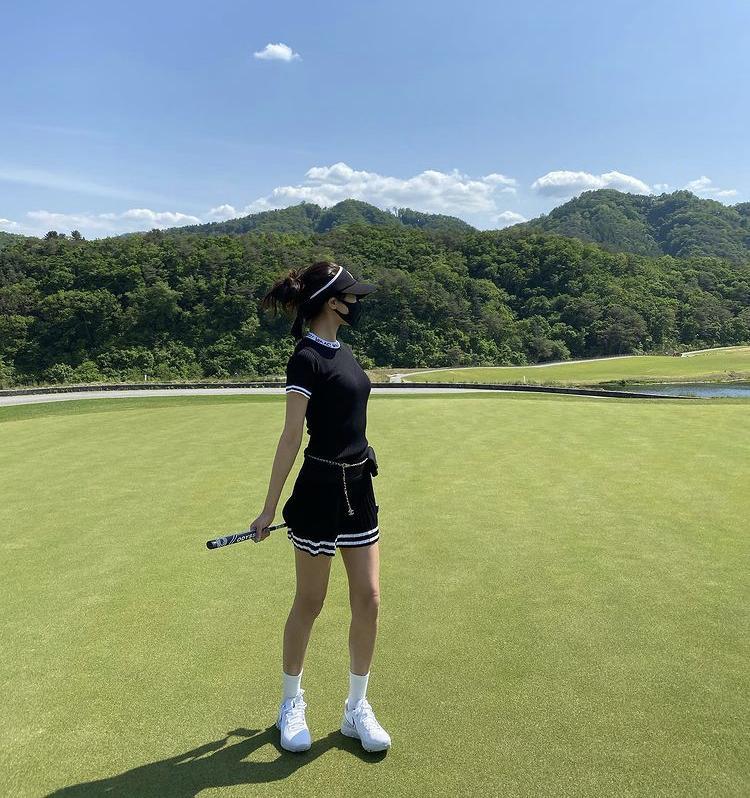 Hyomin, Sooyoung lên đồ đi đánh golf vừa chất vừa như nữ sinh 18-4