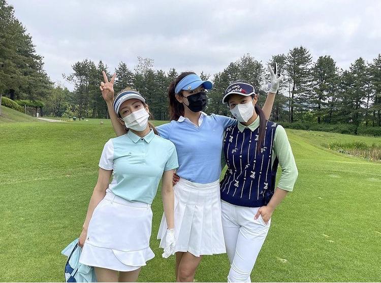 Hyomin, Sooyoung lên đồ đi đánh golf vừa chất vừa như nữ sinh 18-10
