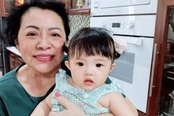 Con gái Đông Nhi bên bà nội quyền lực, ngoại hình được so sánh
