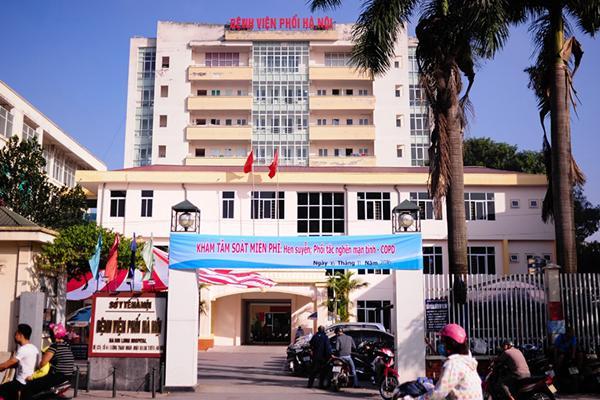NÓNG: Bệnh viện Phổi Hà Nội phát hiện 9 ca dương tính với SARS-CoV-2-1