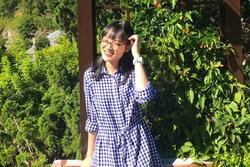 Nữ sinh duy nhất đạt 10 Văn tốt nghiệp: Học chuyên Anh, 'trật tủ' bài Sóng